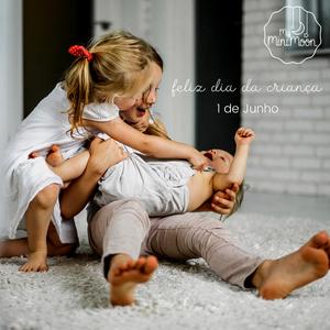 Ser criança, é ser feliz! Feliz dia das Crianças 🥰 ⠀⠀⠀⠀⠀⠀⠀⠀⠀⠀ Aproveite o último dia de 20% de desconto com o cupão:  DIADACRIANCA20 ⠀⠀⠀⠀⠀⠀⠀⠀⠀⠀ 🖥 www.myminimoon.com 📩 shop@myminimoon.com 📞 223 252 987   965 467 237 ⠀⠀⠀⠀⠀⠀⠀⠀⠀⠀ #MyMiniMoon #BabyAndChildLifeStyle #BabyCare #MadeInPortugal #Baby #Bebé #Criança #LojaDeBebés #TudoParaOSeuBeBé #BabyFashion #BabyShop  #BabyPlanning #DiaDasCrianças #ChildrenDay
