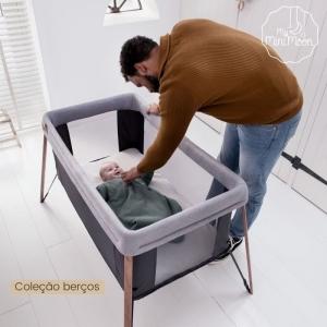 DESCONTO 20% Com esta cama de viagem consegue elevar ou baixar a base do colchão da cama.  Viajar com o seu bebé nunca foi tão fácil! ⠀⠀⠀⠀⠀⠀⠀⠀⠀⠀ 🖥 www.myminimoon.com 📩 shop@myminimoon.com 📞 223 252 987  965 467 237 ⠀⠀⠀⠀⠀⠀⠀⠀⠀⠀ #MyMiniMoon #BabyAndChildLifeStyle #BabyCare #MadeInPortugal #Baby #Bebé #Criança #LojaDeBebés #TudoParaOSeuBeBé #BabyFashion #BabyShop #Berço #BerçoBebe #BebeConfort #TransporteBebe #SonoBebe #BabyPlanning
