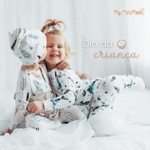 As crianças são as cores que a vida precisa para se tornar mais colorida. Feliz dia da Criança 🌟 ⠀⠀⠀⠀⠀⠀⠀⠀⠀⠀ Não se esqueça que hoje é o último dia para aproveitar os 15% de desconto em todo o website. ⠀⠀⠀⠀⠀⠀⠀⠀⠀⠀ Basta adicionar o voucher DIADACRIANCA15 no final da compra (não acumulável com outros descontos). ⠀⠀⠀⠀⠀⠀⠀⠀⠀⠀ 🖥 www.myminimoon.com 📩 shop@myminimoon.com 📞 223 252 987   965 467 237 ⠀⠀⠀⠀⠀⠀⠀⠀⠀⠀ #MyMiniMoon #BabyAndChildLifeStyle #BabyCare #MadeInPortugal #Baby #Bebe #Crianças #DiaDaCriança #CriançasFelizes #CriançasLindas #CriancaSendoCrianca #Amor #Familia